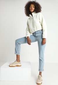 Urban Classics - LADIES SHORT SHERPA TROYER - Fleece trui - offwhite - 1