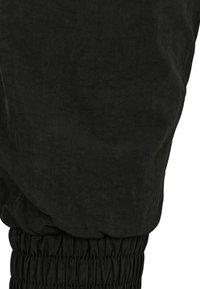 Urban Classics - CRINKLE BATWING  - Sportovní bunda - black/white - 3