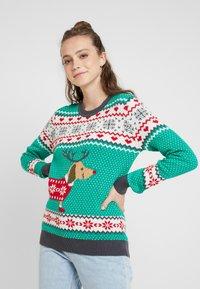 Urban Classics - SAUSAGE DOG CHRISTMAS - Jumper - teagreen/white/red/darkgrey - 0