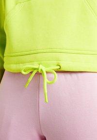 Urban Classics - LADIES SHORT RAGLAN CREW - Sweater - neon yellow - 4