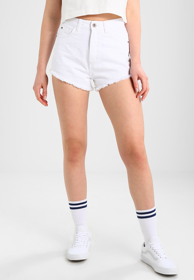 Urban Classics - LADIES HOTPANTS - Shorts vaqueros - white