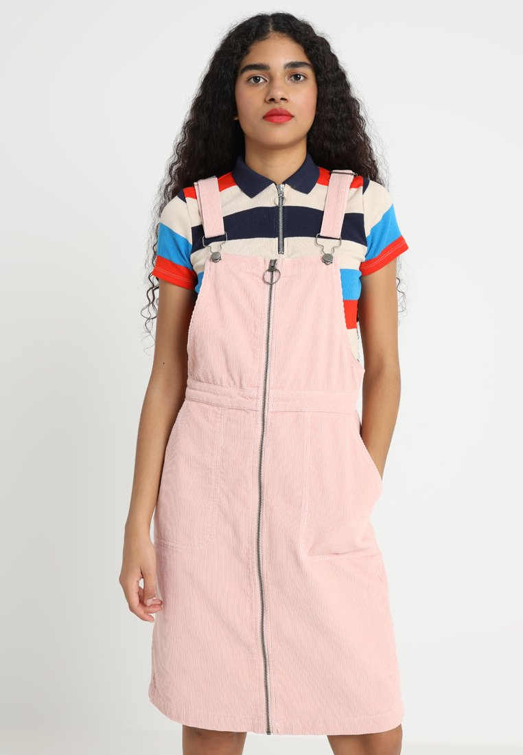 Urban Classics - LADIES DUNGAREE DRESS - Freizeitkleid - rose