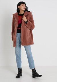Urban Classics - LADIES HOODED TEDDY COAT - Winter coat - darkrose - 1