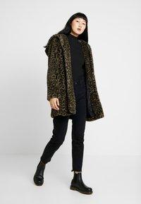 Urban Classics - LADIES LEO COAT - Winter coat - darkolive - 1