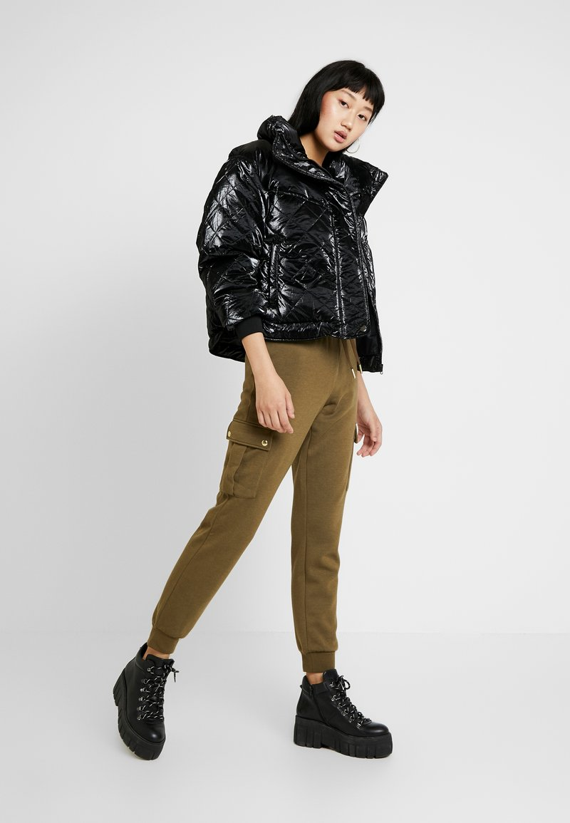 Urban Classics - LADIES VANISH QUILT JACKET - Talvitakki - black