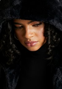 Urban Classics - LADIES HOODED VEST - Waistcoat - black - 3