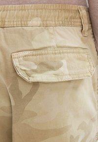 Urban Classics - Cargo trousers - sand - 4