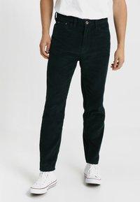 Urban Classics - BAGGY PANTS - Pantaloni - dark jasper - 0