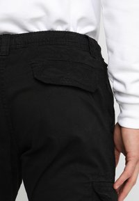 Urban Classics - JOGGING PANT - Cargo trousers - black - 5