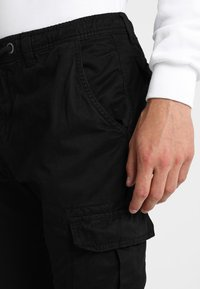 Urban Classics - JOGGING PANT - Cargo trousers - black - 3