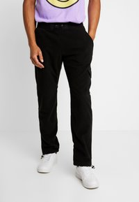 Urban Classics - POLAR PANTS - Pantalon de survêtement - black - 0