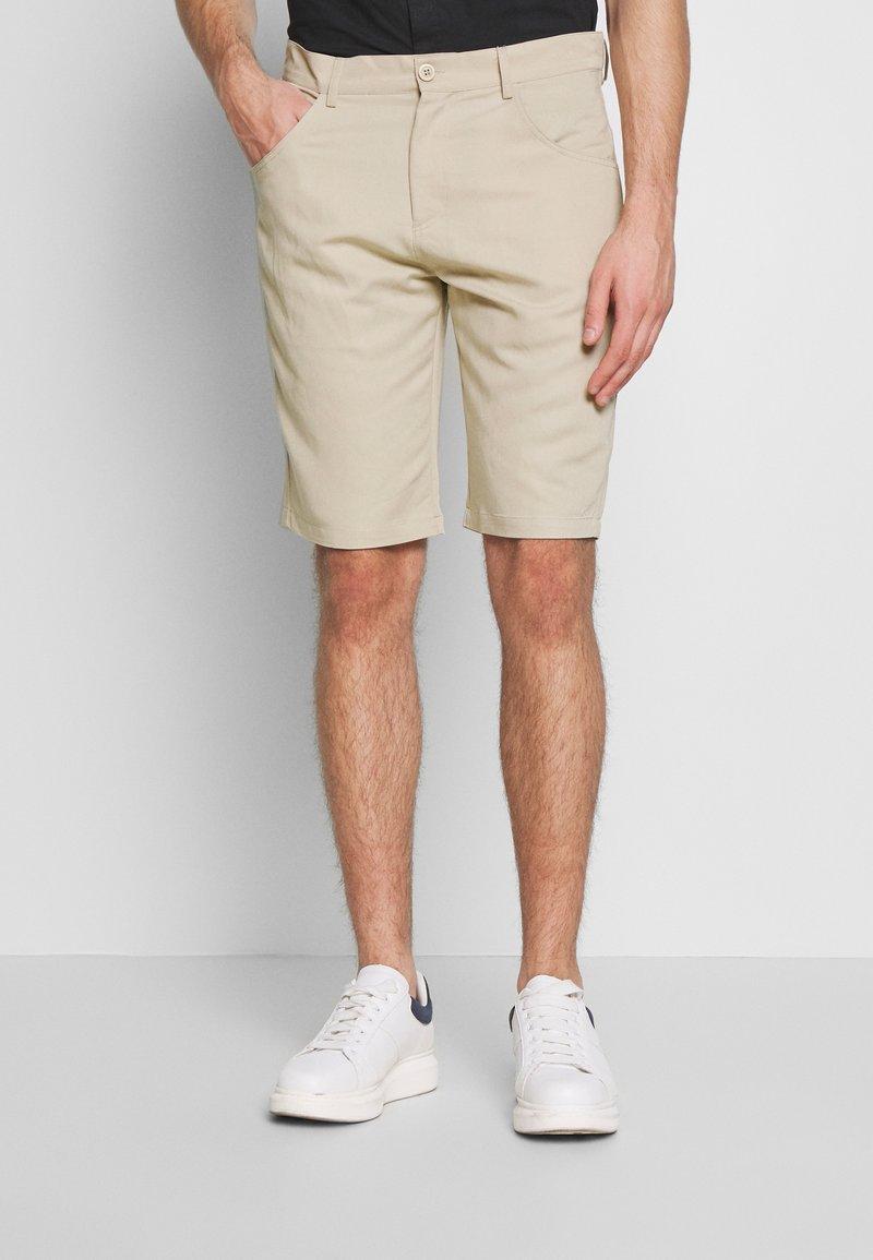Urban Classics - Shorts - concrete