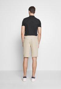 Urban Classics - Shorts - concrete - 2