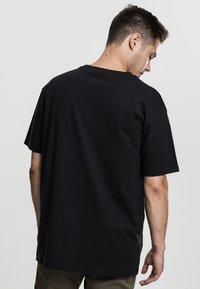 Urban Classics - HEAVY OVERSIZED TEE - T-shirt - bas - black - 1