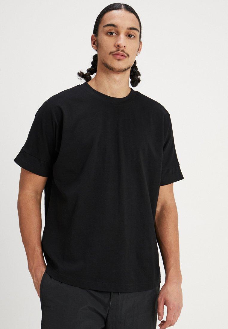 Urban Classics - OVERSIZED CUT ON SLEEVE TEE - T-shirt basique - black