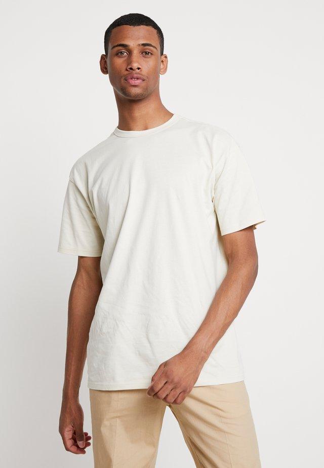 ORGANIC BASIC TEE - Basic T-shirt - sand