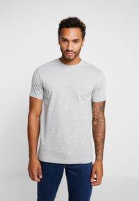 Urban Classics - BASIC TEE 3 PACK - T-shirt basic - black/white/grey - 1