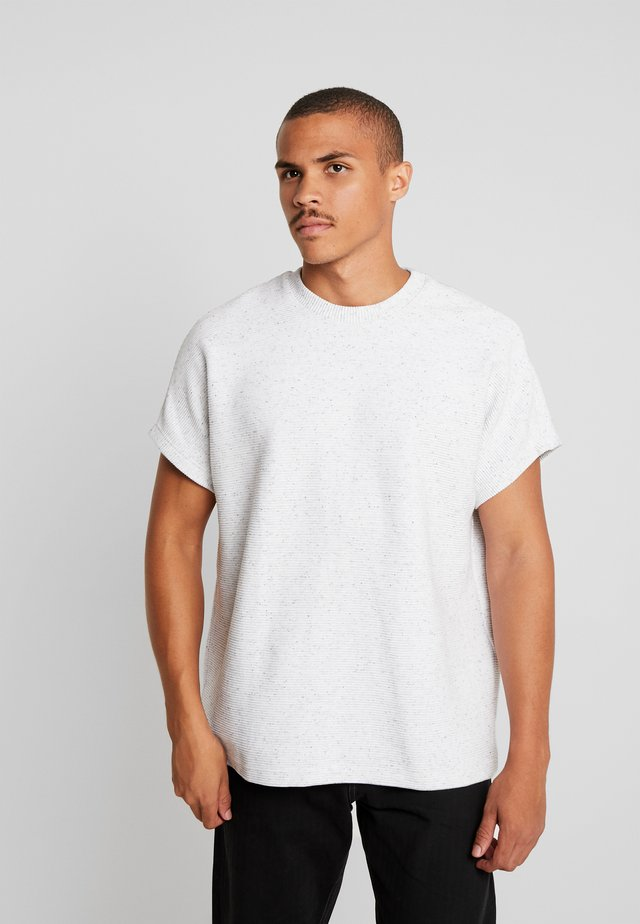 CUT ON SLEEVE NAPS INTERLOCK TEE - Basic T-shirt - lightgrey