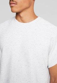 Urban Classics - CUT ON SLEEVE NAPS INTERLOCK TEE - T-shirt basic - lightgrey - 4