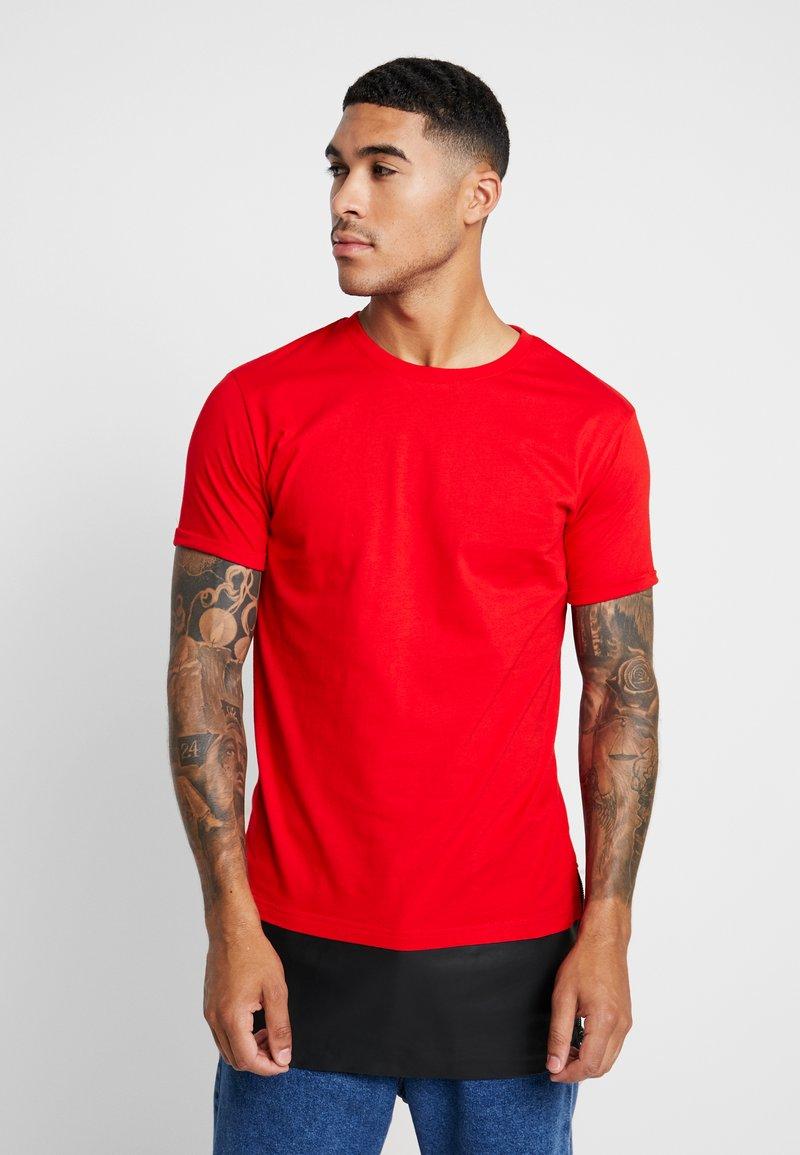 Urban Classics - Camiseta básica - red/black