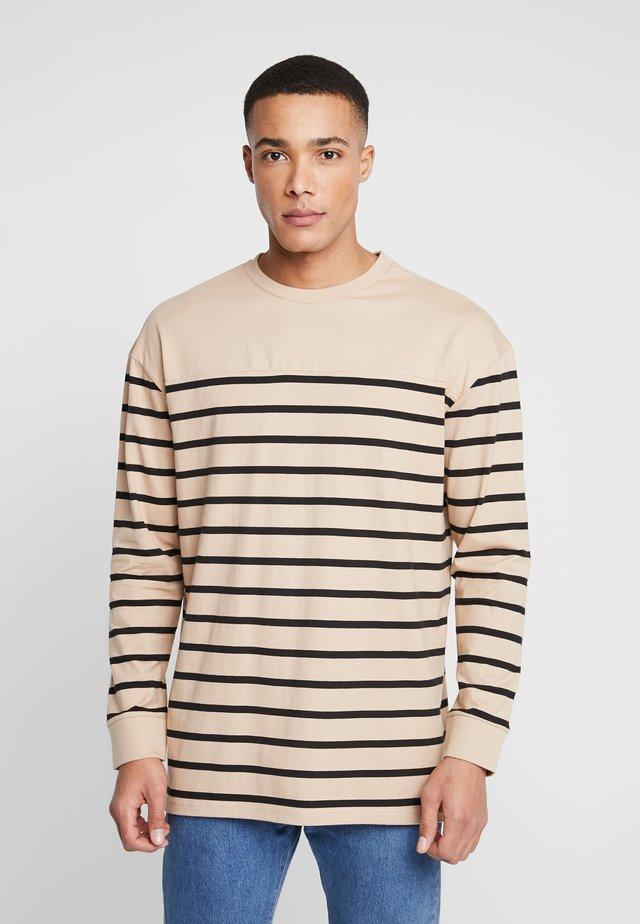 Langærmede T-shirts - tan