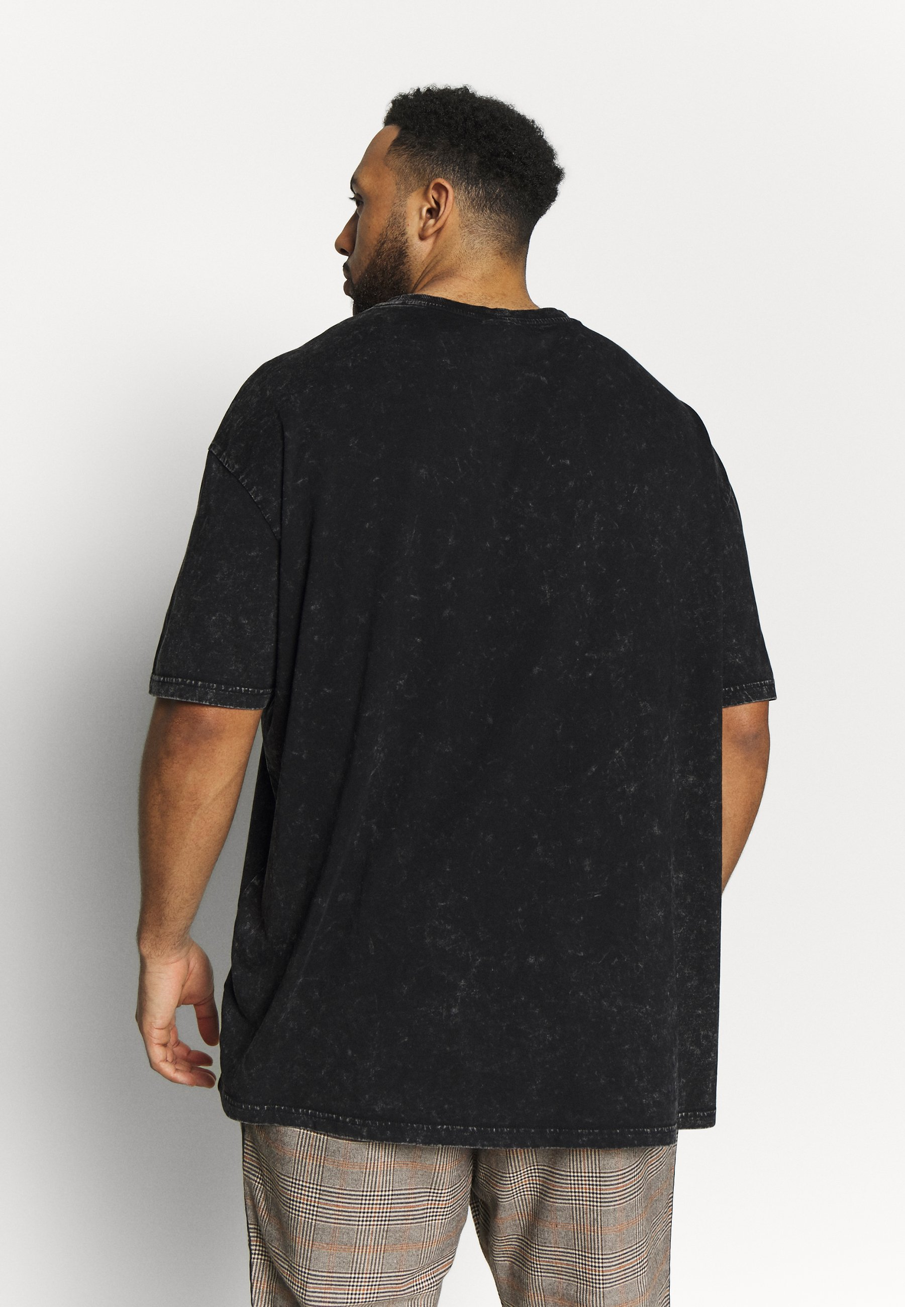 Urban Classics ACID WASH LOGO TEE - T-shirt imprimé - black