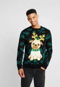 Urban Classics - PUG CHRISTMAS - Stickad tröja - black - 0