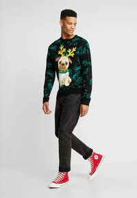 Urban Classics - PUG CHRISTMAS - Pullover - black - 1