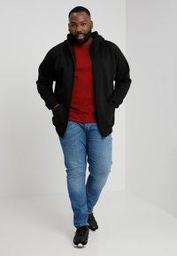 Urban Classics - ZIP HOODY - Zip-up hoodie - black - 1