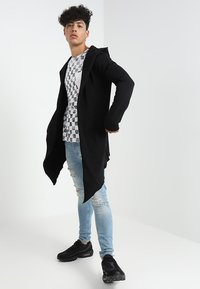 Urban Classics - LONG HOODED OPEN EDGE - veste en sweat zippée - black