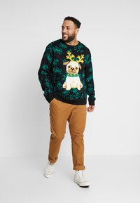 Urban Classics - PUG CHRISTMAS SWEATER - Trui - black