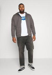 Urban Classics - BASIC TERRY ZIP HOODIE - Zip-up hoodie - darkshadow - 1