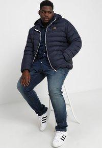 Urban Classics - BASIC BUBBLE JACKET - Winter jacket - navy/white/navy - 1
