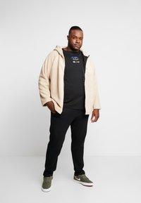 Urban Classics - HOODED ZIP JACKET - Summer jacket - darksand - 1