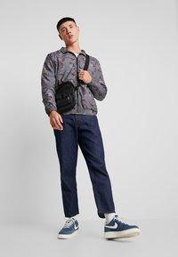 Urban Classics - Training jacket - darkdesert - 1