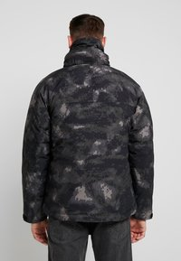 Urban Classics - MULTIPOCKET - Winter jacket - dark olive - 2