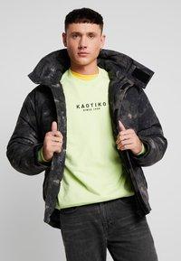 Urban Classics - MULTIPOCKET - Winter jacket - dark olive - 0