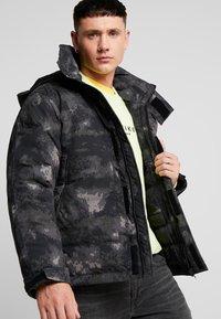 Urban Classics - MULTIPOCKET - Winter jacket - dark olive - 3