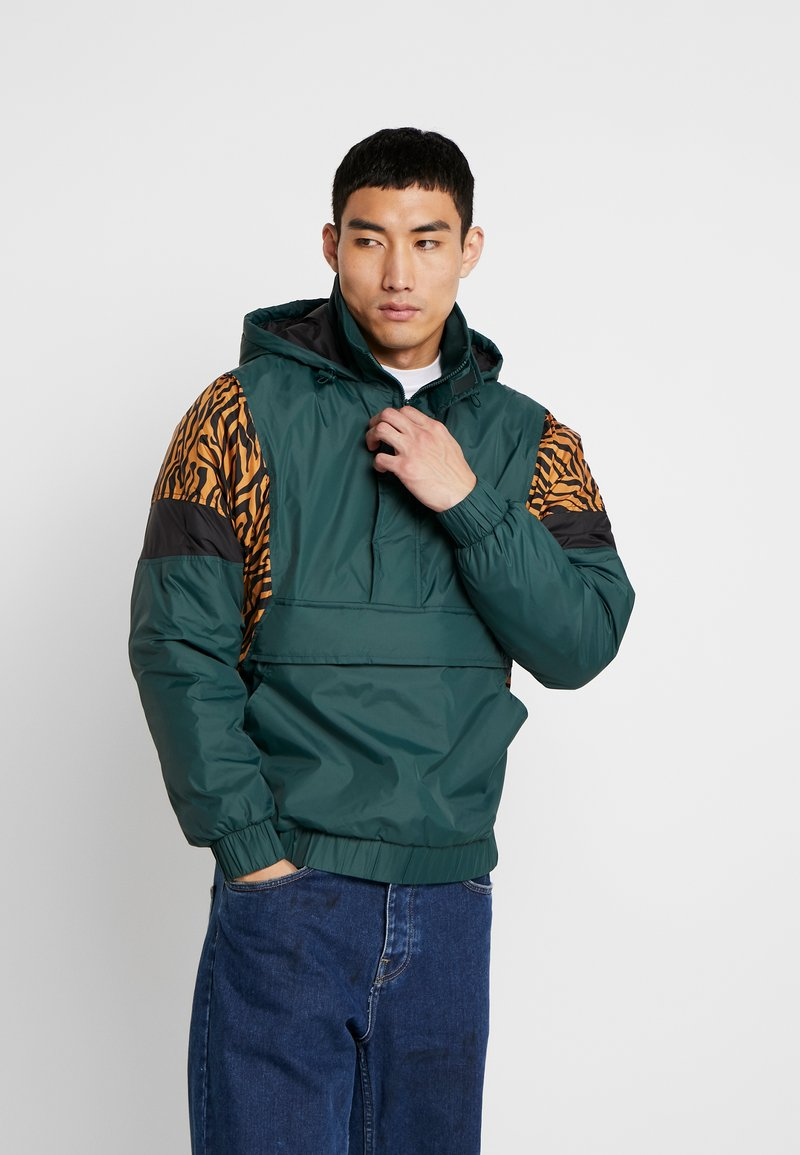 Urban Classics - ANIMAL MIXED JACKET - Windbreakers - bottlegreen