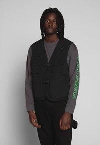 Urban Classics - TACTICAL VEST - Vest - black - 0