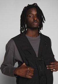 Urban Classics - TACTICAL VEST - Vest - black - 4