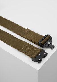 Urban Classics - WING BUCKLE BELT - Belt - olive