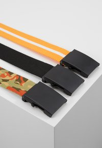 Urban Classics - BELTS TRIO 3 PACK - Belt - black/orange/white - 2