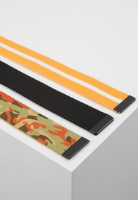 Urban Classics - BELTS TRIO 3 PACK - Belt - black/orange/white - 3