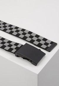 Urban Classics - ADJUSTABLE CHECKER BELT - Belt - black/grey - 3