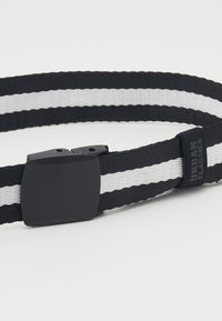 Urban Classics - CENTRE STRIPE BELT - Belt - black - 2