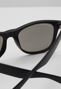 Urban Classics - SUNGLASSES LIKOMA MIRROR WITH CHAIN - Sunglasses - black/silver - 2