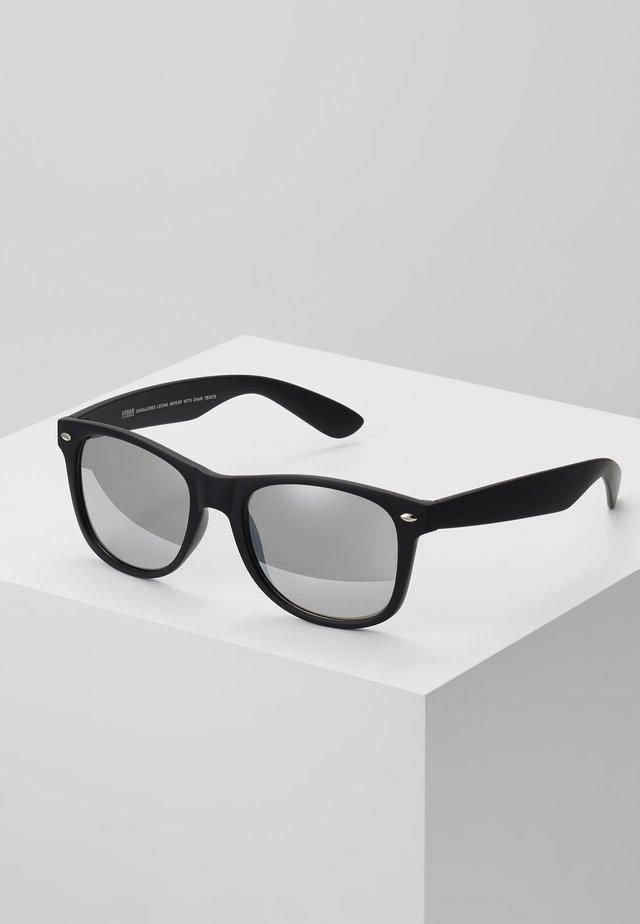 SUNGLASSES LIKOMA MIRROR WITH CHAIN - Sunglasses - black/silver