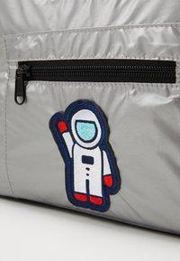Urban Classics - NASA COOLING BAG - Sports bag - silver - 3