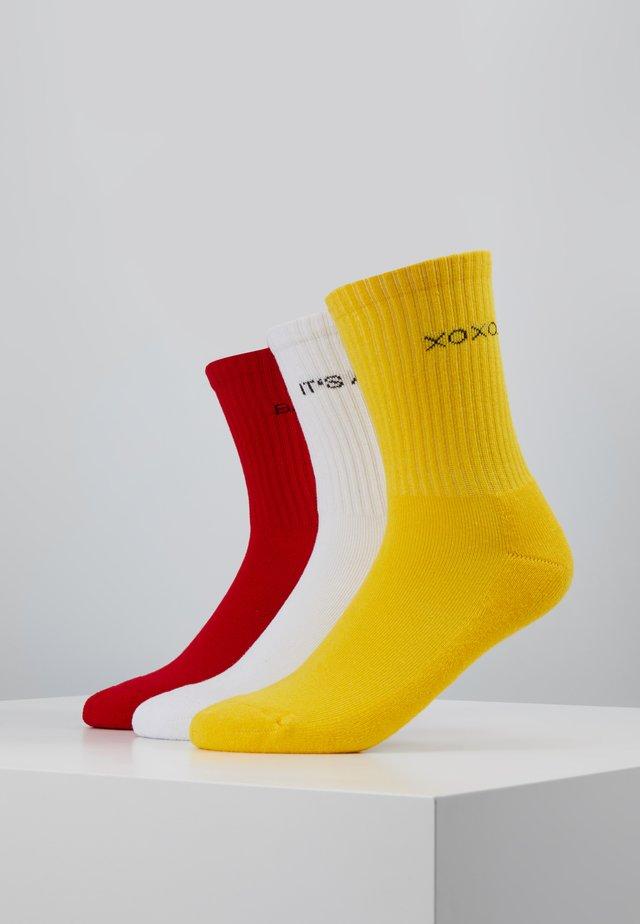 WORDING SOCKS 3 PACK - Socks - yellow/red/white